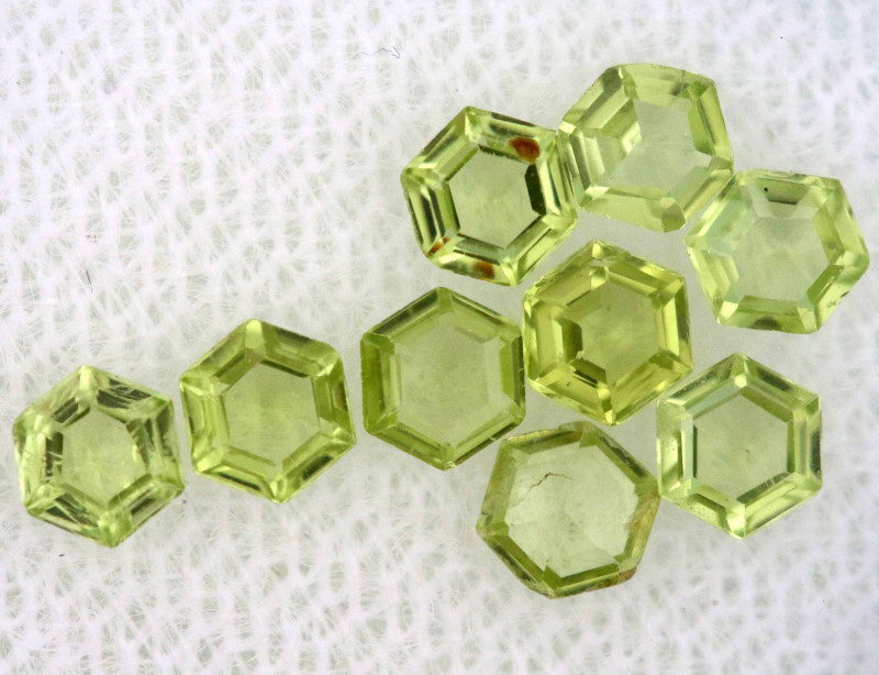 1.09 CTS  PERIDOT FACETED STONE PARCEL RNG-593