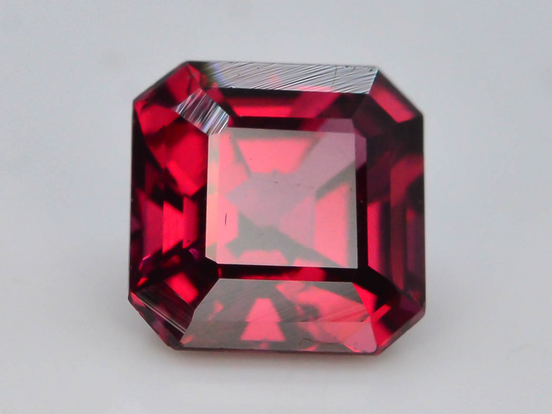 AAA Cut 1.30 Ct Natural Ravishing Color Rhodolite Garnet