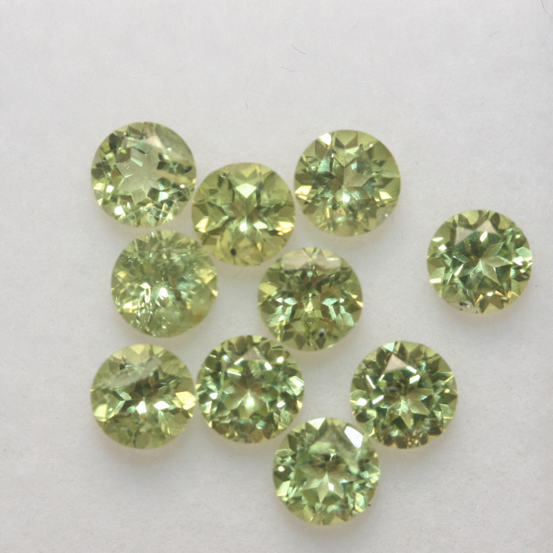 3 Ct Peridot Matching Lot Faceted Round Cut 4mm.- Olivine Green.(SKU 423)