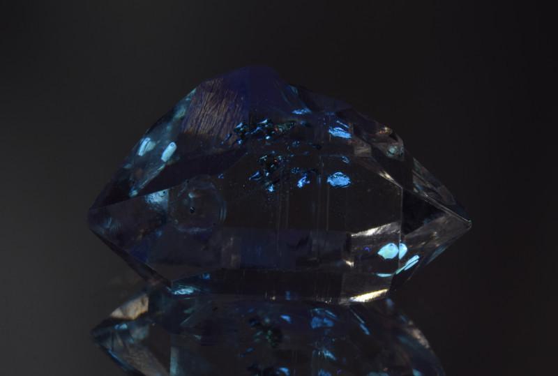 Rare Petroleum Quartz with Moving Bubble 21.36 Cts