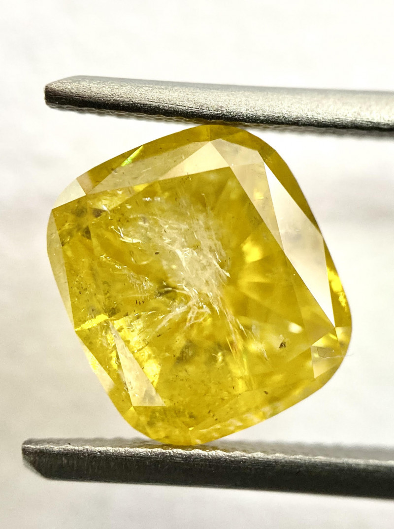 Natural-Fancy Vivid-Yellow-Diamond