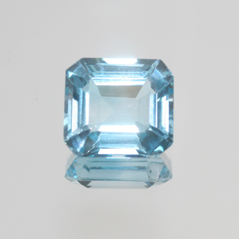 28.95 Ct Sky Blue Topaz  Faceted Rectangular 18.5x17mm.(SKU 457)