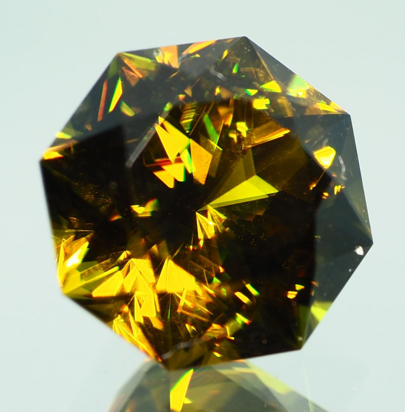 4.60CT  AAA Grade GEM Quality Natural Full Fire Sphene ME47
