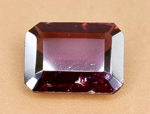 1.51 Crt Natural Rhodolite Garnet Faceted Gemstone.( AB 92)