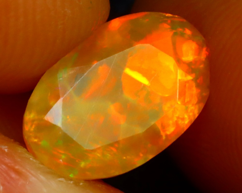 Welo Opal 1.62Ct Natural Ethiopian Play of Color Opal ER85/A3