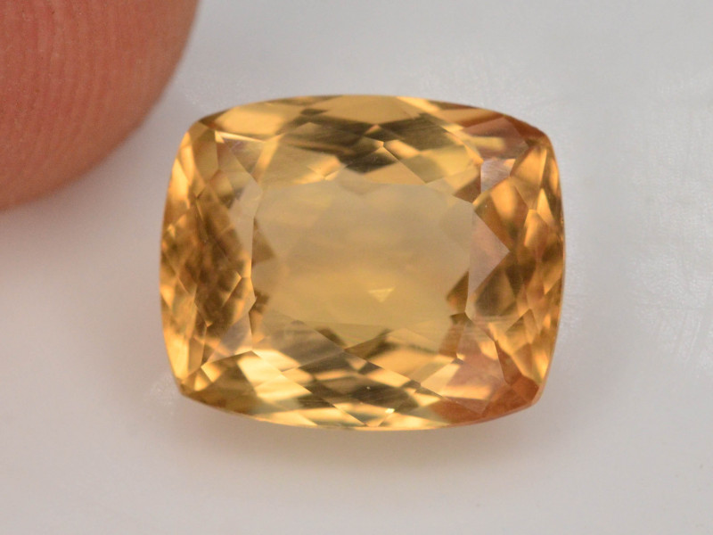 1.95 Ct Natural Heliodor AAA Grade Yellow Color