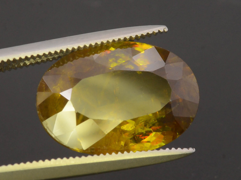 Top Fire 5.95 ct Natural  Sphene