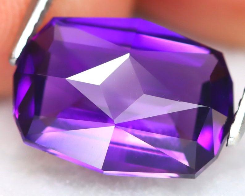 Uruguay Amethyst 4.31Ct VVS Master Cut Natural Violet Amethyst B2710