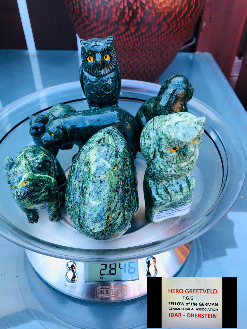 Almost 3 kg !! Nephrite and Serpentine carving- 7 pieces
