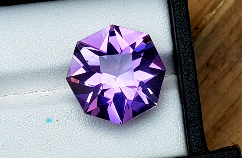 16 Carats Grade Natural Amethyst Fancy Cut Gemstone
