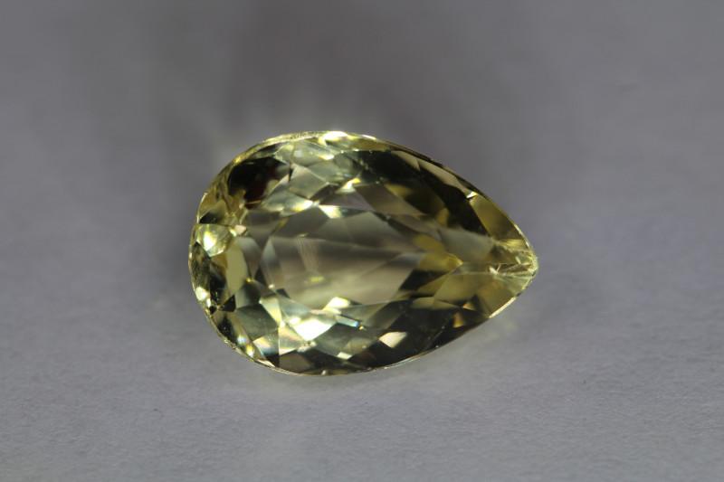 Heliodor lagrima 3.72ct de origen Brasil. Ouropreto minas Yeray.