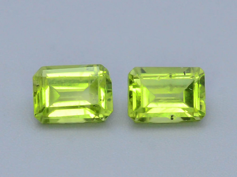 Read Description 2.30  ct Attractive 2 Pcs Jewelry Size Peridot
