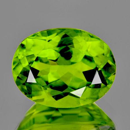 8x6 mm Oval 1.45cts Green Peridot [VVS}