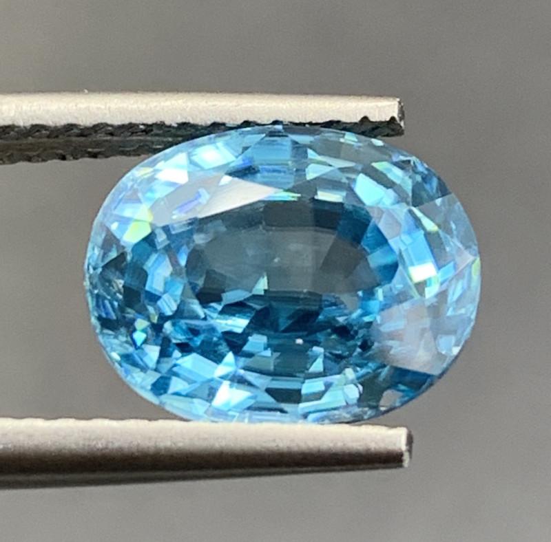 4.94 CT Zircon Gemstones