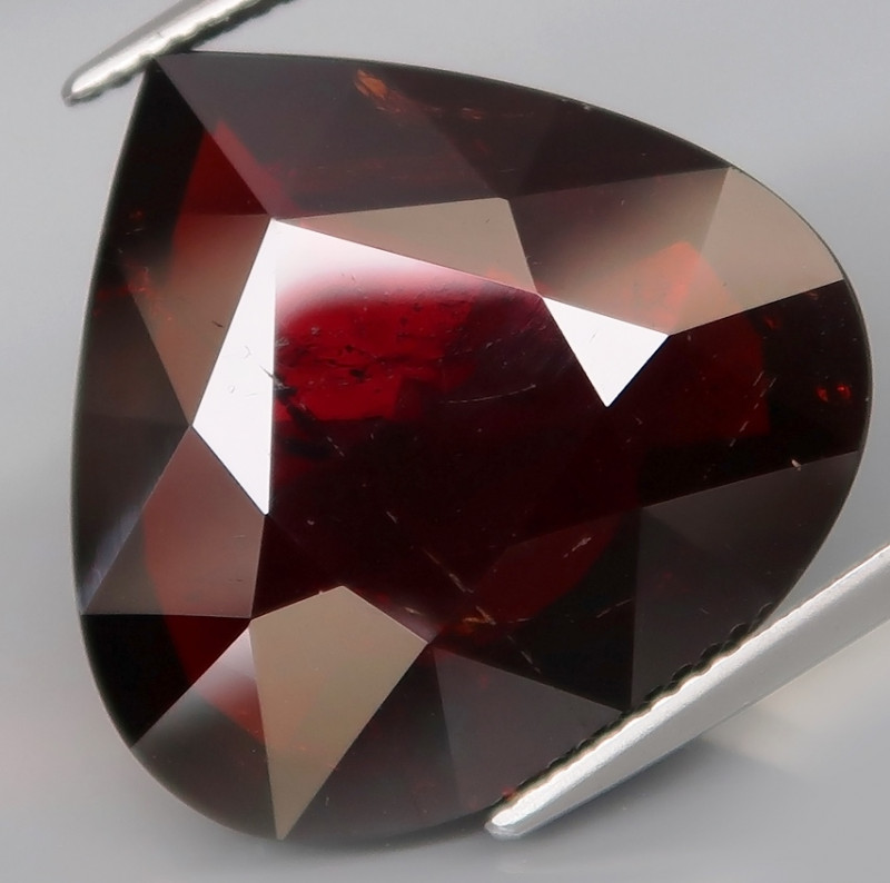 22.40 ct. 100% Natural Earth Mined Red Spessartite Garnet Africa