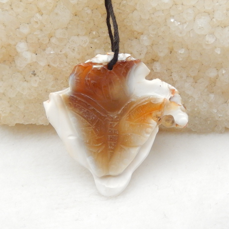 61.5cts lovely natural agate carved butterfly pendant beads H012
