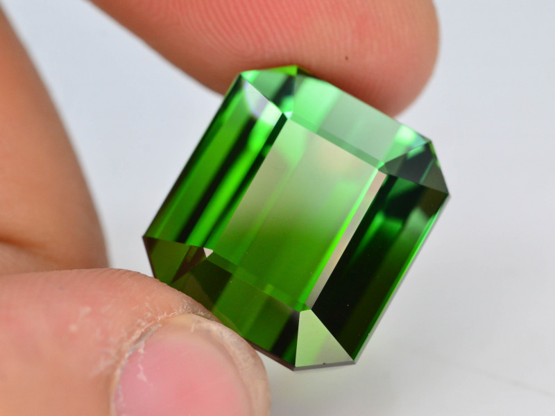 Top Grade 20.6 ct Natural Green Color Tourmaline