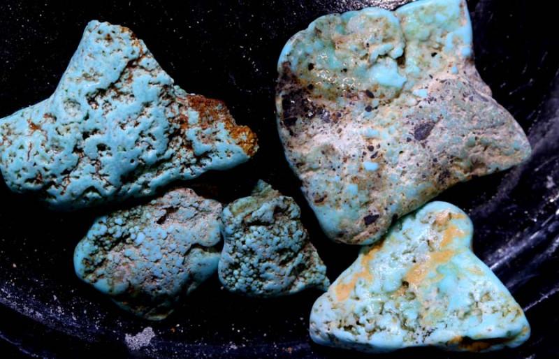 39.85 cts Castle dome Turquoise rough parcel   RG-5465
