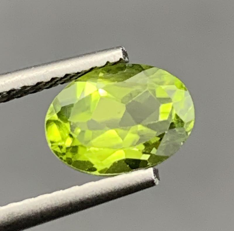 1.48 CT Peridot Gemstones