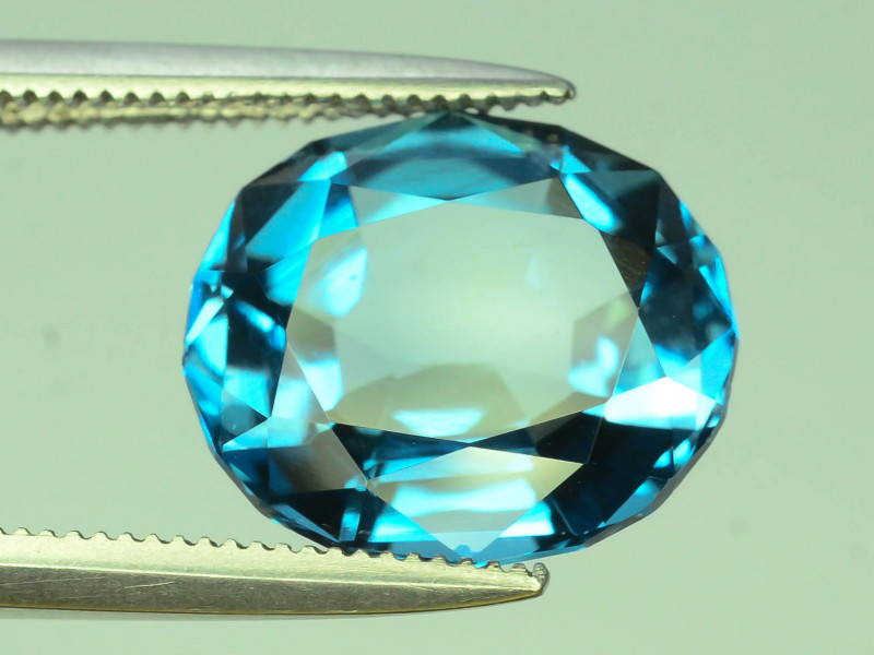 Topaz 4.85 Ct Natural London Blue Topaz ~ K