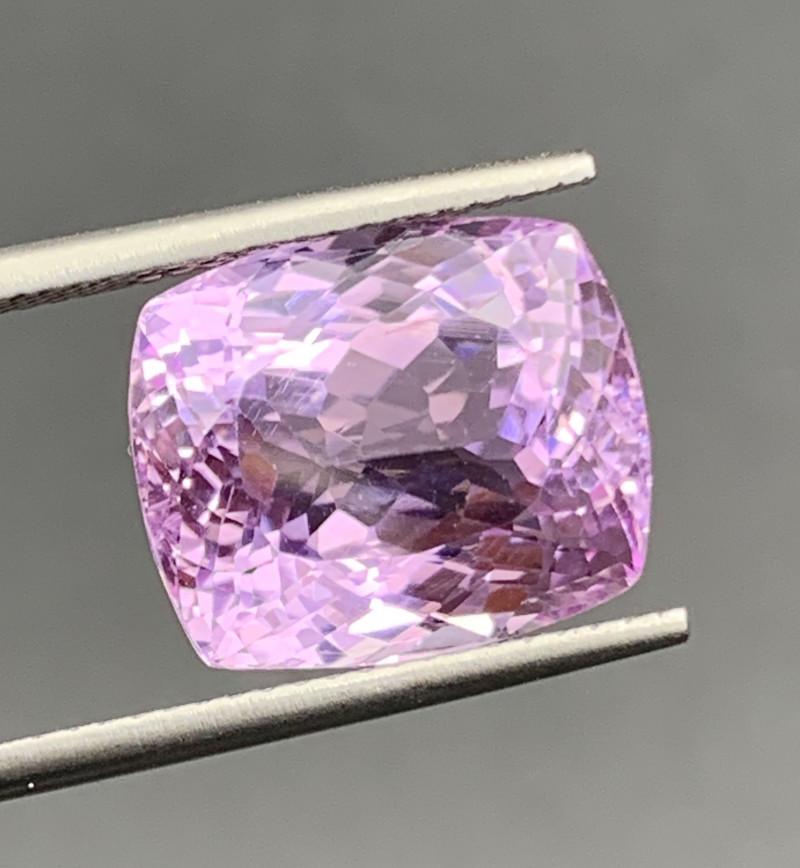 11.43 Carat Kunzite Gemstones