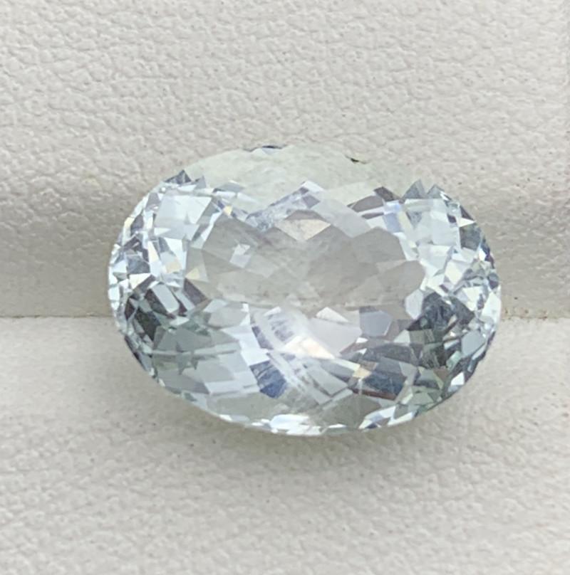 6.90 Carats Aquamarine Gemstones