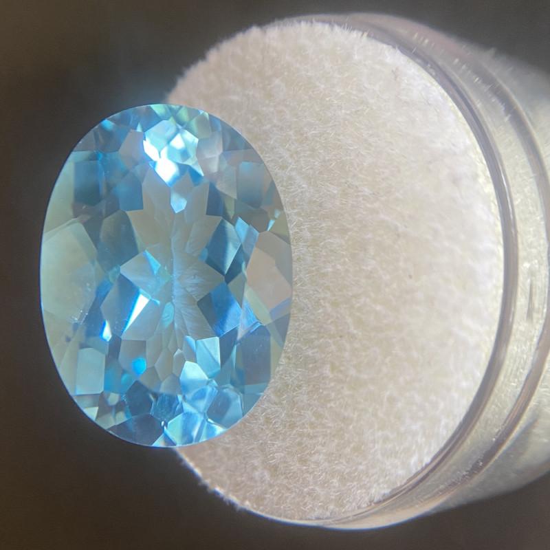 Blue Topaz 15.46 Carat Oval Cut Swiss Blue  18x13mm Gem