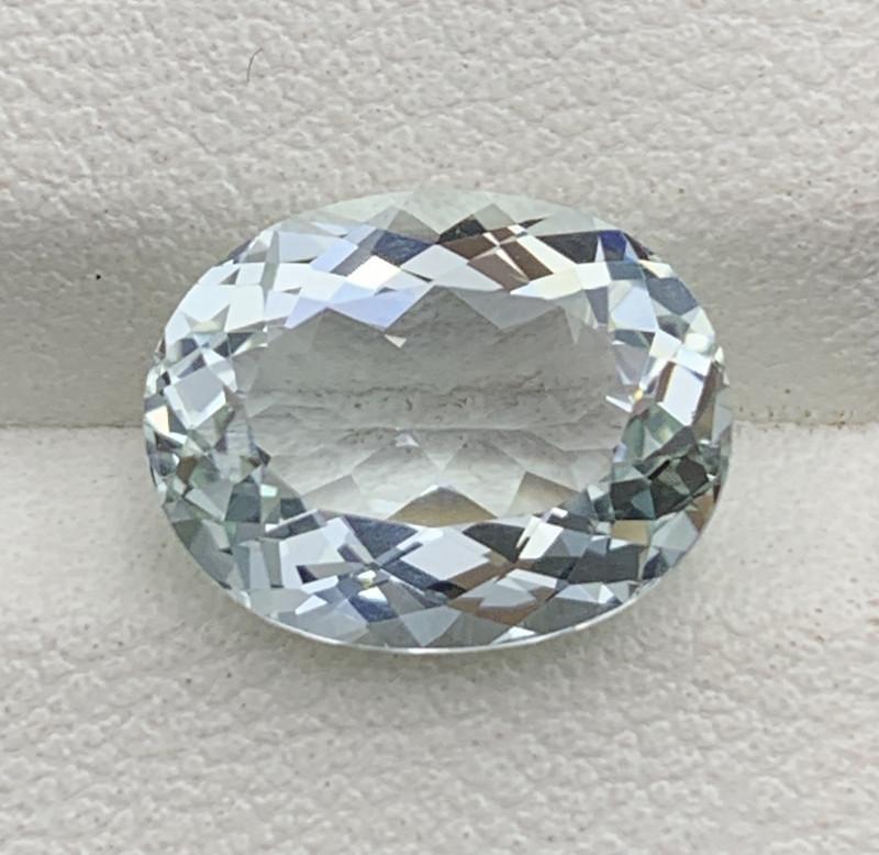 3.80 Carats Aquamarine Gemstone