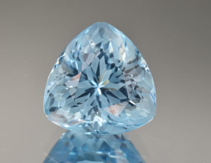 Natural Blue Topaz 18.46 Cts Perfect Precision Cut