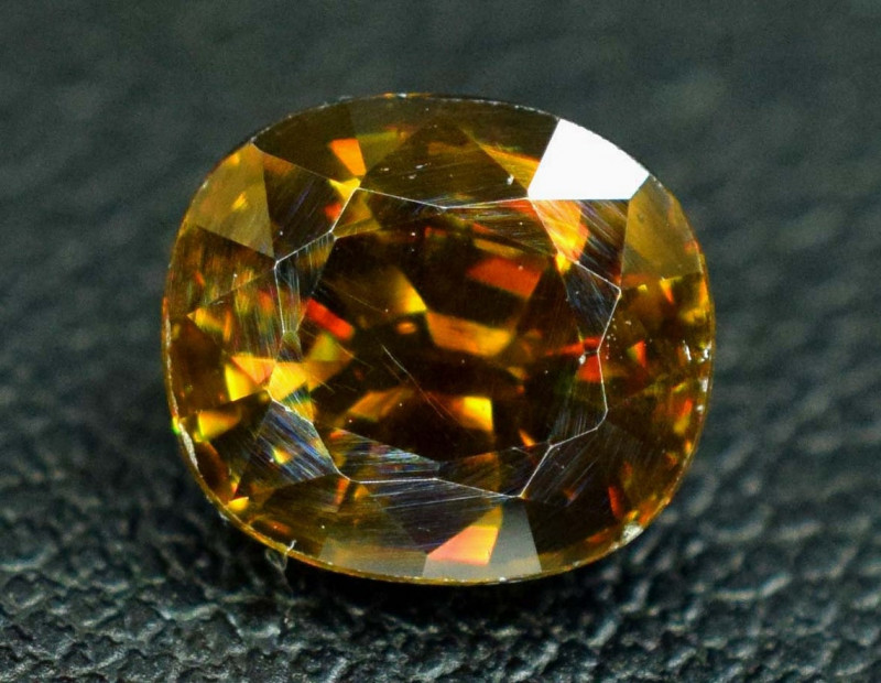 1.40 Carats Full Fire Sphene Loose Gemstone