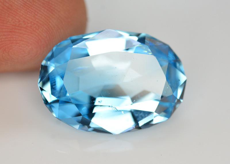 Stunning 18.30 Ct Natural Blue Topaz Gemstone