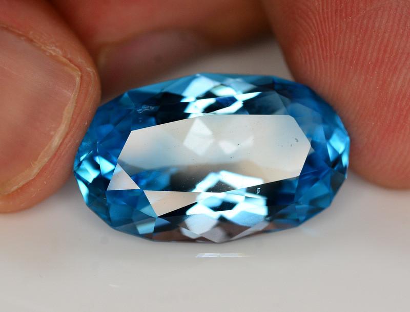 Stunning 22.60 Ct Natural Blue Topaz Gemstone