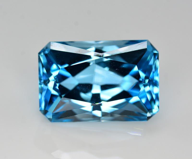 Stunning 27 Ct Natural Blue Topaz Gemstone