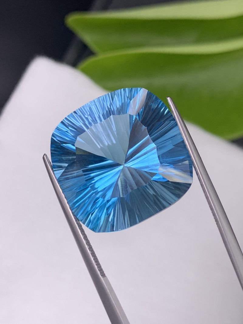 32.94 Cts  Top Quality Natural Topaz Master Cut Amazing Luster