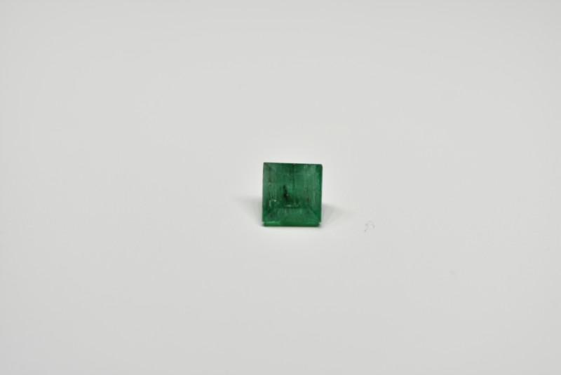 1.01 Carats Deep Green AFGHAN (Panjshir) Emerald!