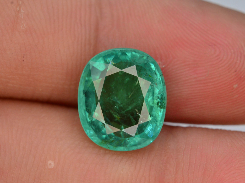 AAA Top Grade 4.60 Natural Emerald ~ Ethiopian