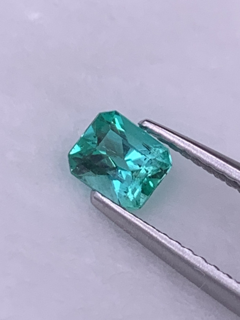 Colombian Natural Emerald Vivid Green AAA Grade Fine Luster 0.54 Cts