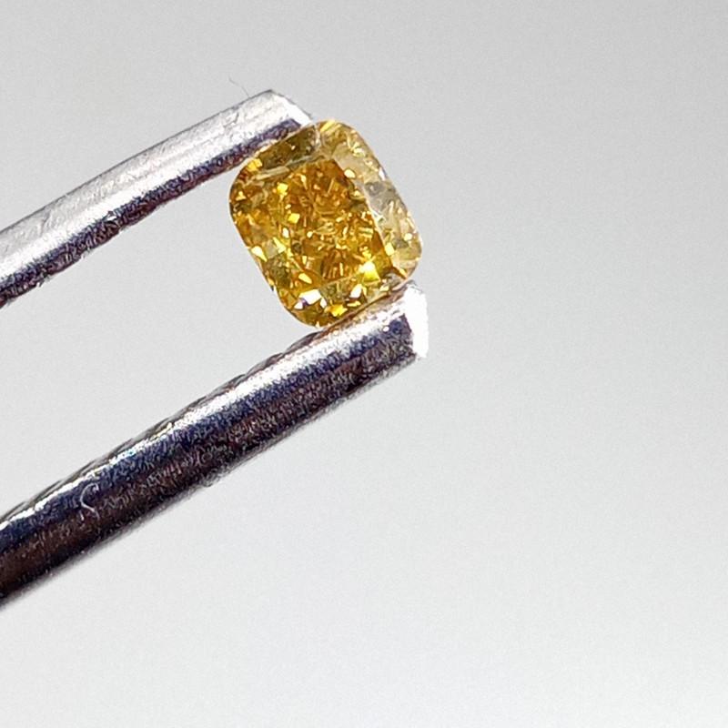 0.15ct  Fancy Vivid Green Orange Diamond , 100% Natural Untreated