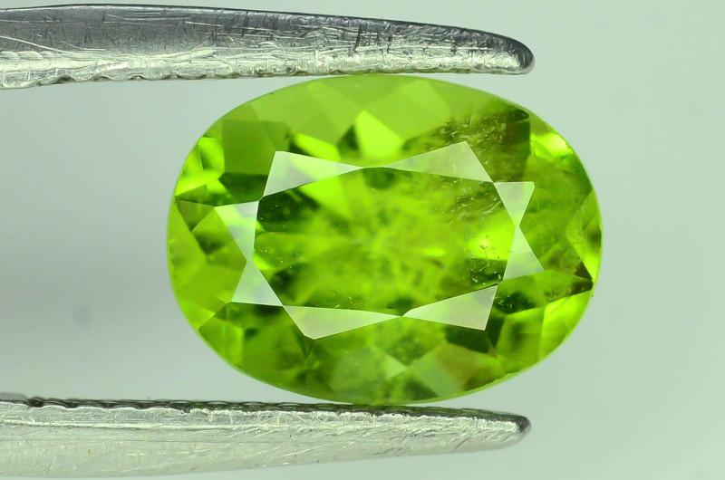 Exquisit Color 3.15 ct Himalayan Peridot ~ Pakistan ST