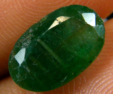 ZAMBIAN   NATURAL  OVAL  EMERALD  2.40  CTS  ST 431
