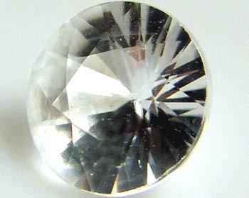 SPARKLING DIAMOND CUT ZIRCON STONE  VVS  1.2 CTS [S4516]