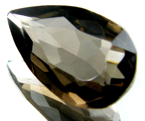 LARGE SMOKEY GREY FACETED TOPAZ  7.65 CTS  ST 575