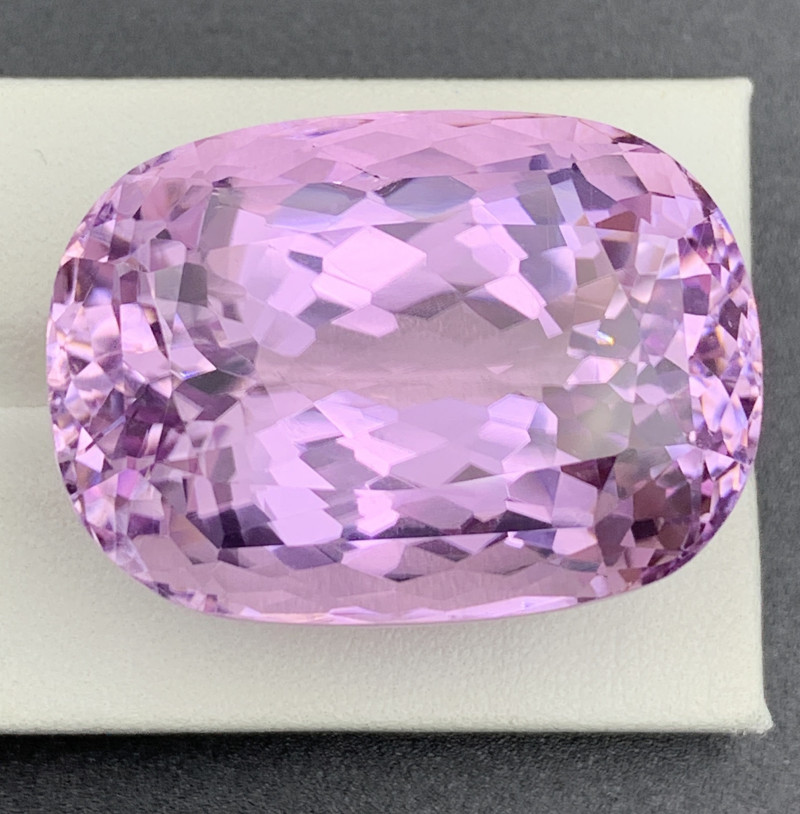 108.83 CT Kunzite Gemstones