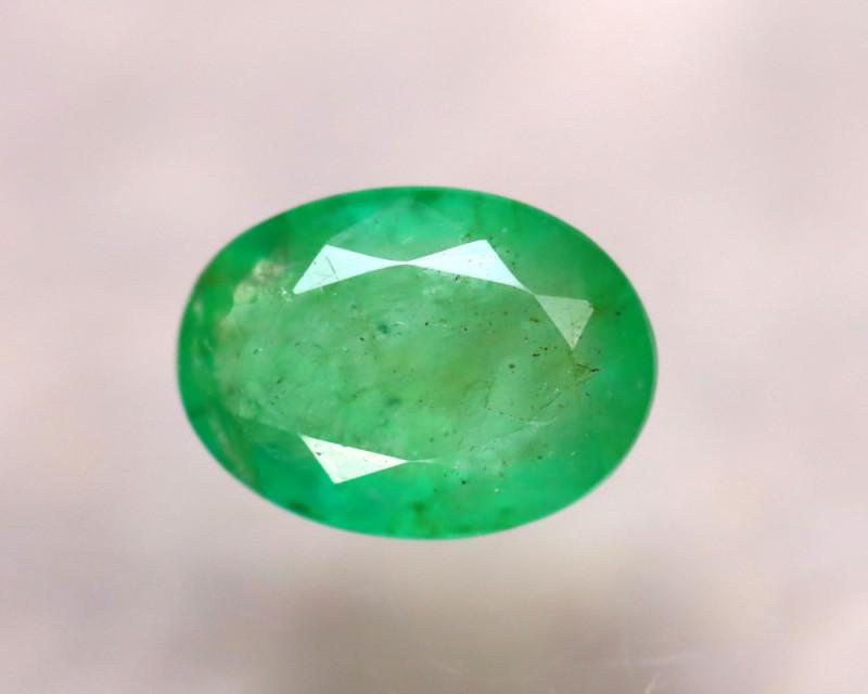 Emerald 1.90Ct Natural Colombia Green Emerald EA0311/A37