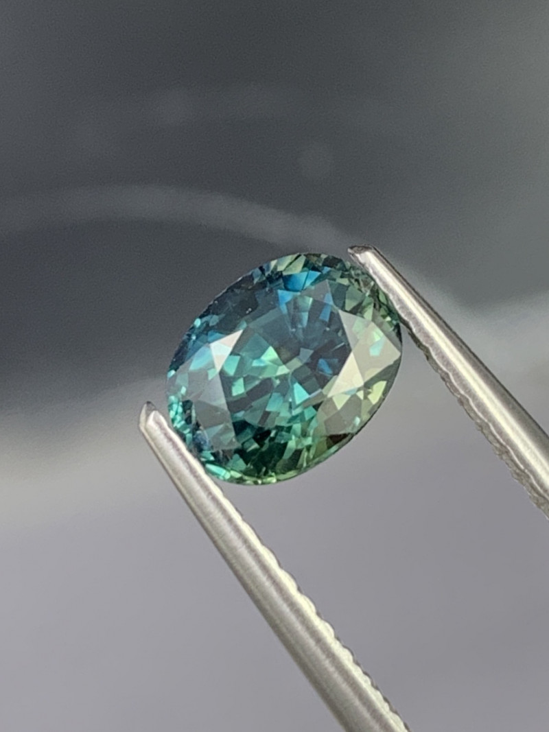 1.59 Cts Certified AAA GRADE Greenish Blue Natural Sapphire Fine Luster