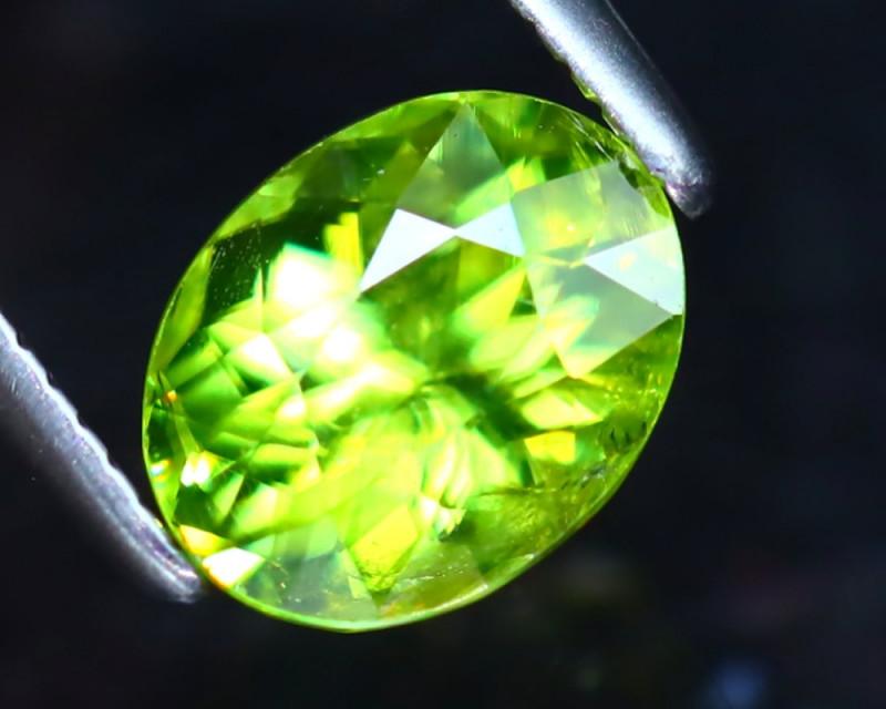 Sphene 1.35Ct Natural Rainbow Flash Green Sphene DF0829/B41