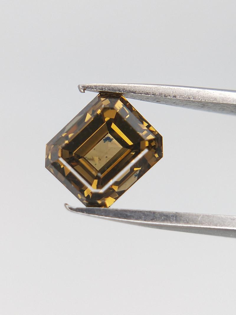 0.62 CTS , Natural colored Diamond , Brilliant cut diamond