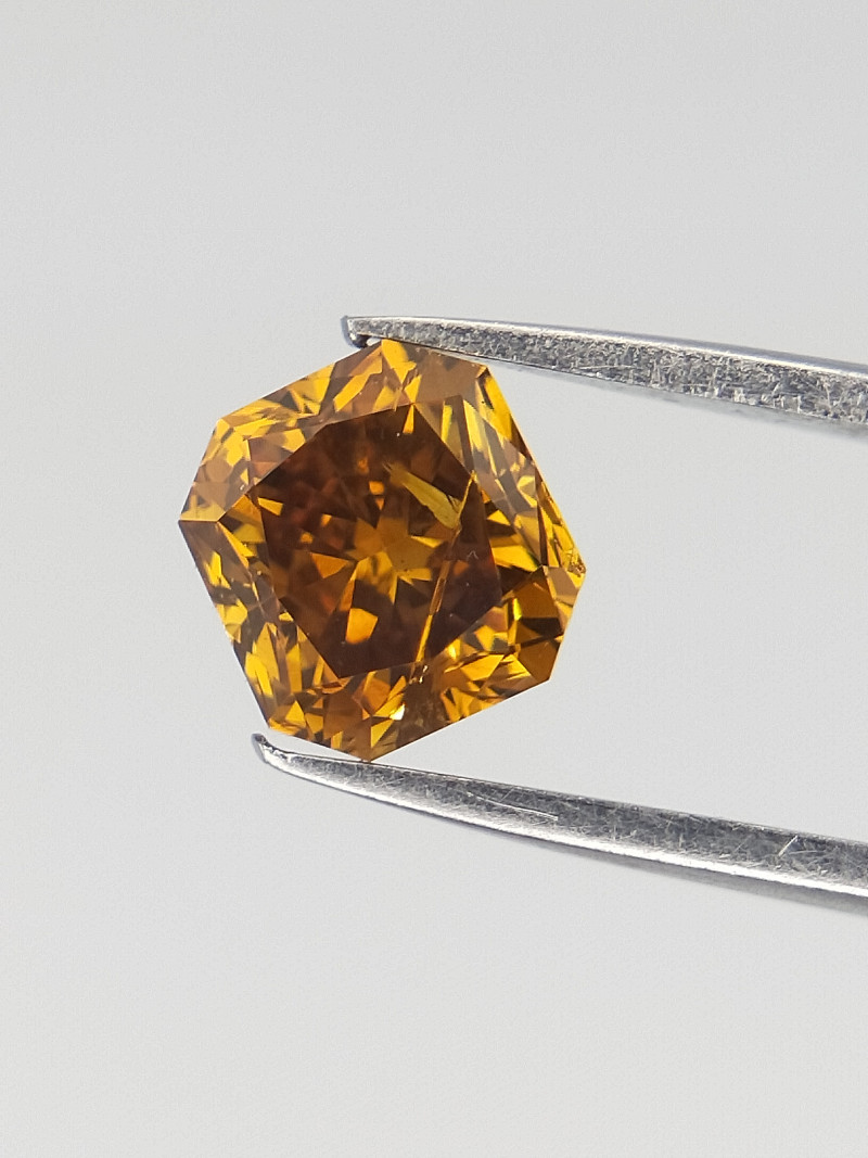 0.49 cts ,  Radiant Brilliant Cut , yellow Diamond