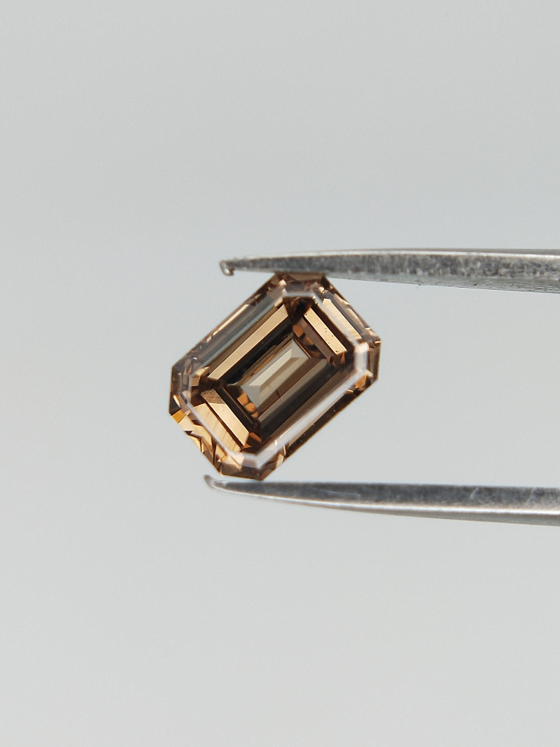 Brown Colour Diamond , Radiant Brillint Cut , 0.34 cts