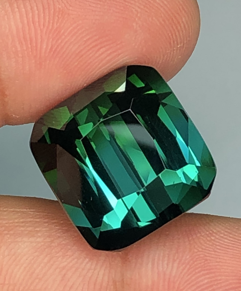 Tourmaline Blue Green 31 carats